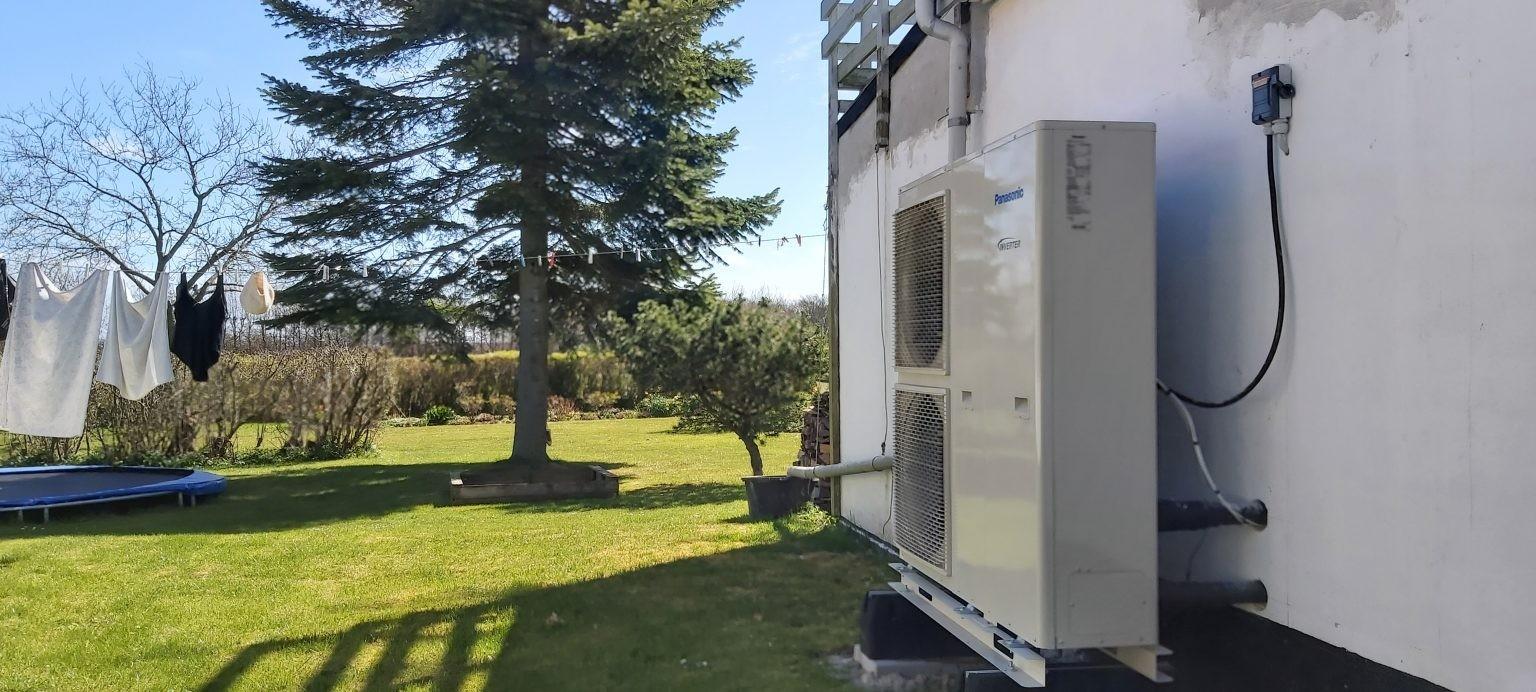 Billigere og mere klimavenlig varme med en luft til vand-varmepumpe